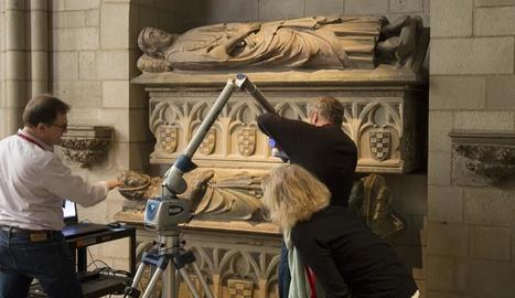 Tasca de digitalització als sepulcres d'Àlvar I i Cecília de Foix.