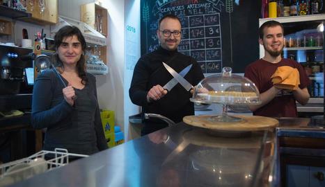 compromís. La cooperativa de consum Lo Fato de Lleida permet als socis comprar aliments de proximitat i ecològics a bon preu.
