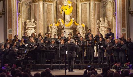 La Coral Cantiga, amb la mezzosoprano Marta Cordomí i Víctor Valls al piano, va oferir divendres un recital de polifonia catalana del s. XX.