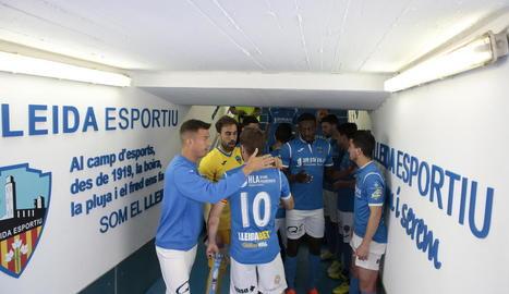 El Lleida va disposar d'ocasions molt clares per marcar davant el Formentera, però el porter Contreras va ser insuperable per als davanters del Lleida.
