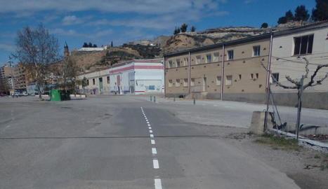 La senyalització horitzontal a la carretera Fraga-Massalcoreig.