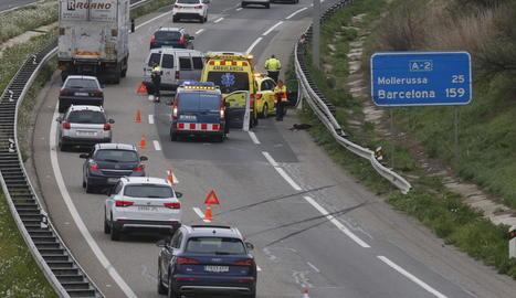 L'accident a l'A-2 ocorregut ahir va obligar a tallar un carril i va causar retencions a la via.