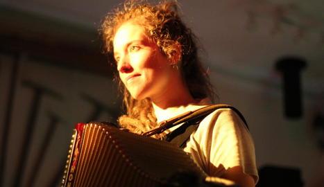 La cantant aranesa Alidé Sans, en el seu concert al Pyrenades.