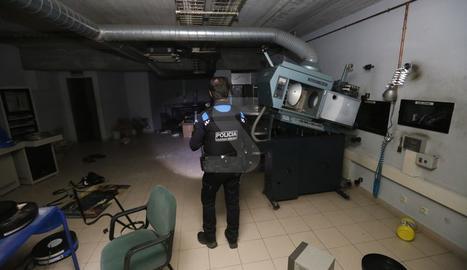 El complex de lleure del barri de Cappont de Lleida va tancar fa tres anys.