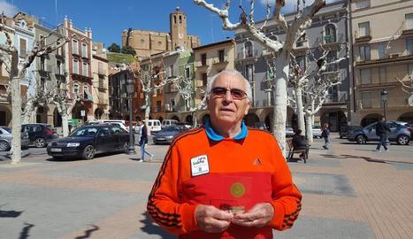 Antonio Carreño, de 81 anys, venç en un torneig en el retorn al tenis