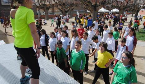El col·legi Francesco Tonucci de Cappont va acollir ahir la sortida de la primera caminada popular 'Camins escolars'.