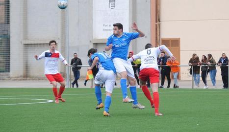 El partit es va mantenir molt igualat i sense gaires ocasions de gol.