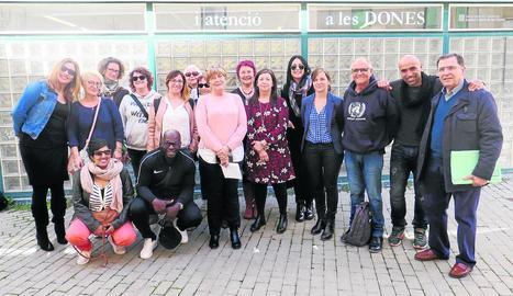 Els representants van visitar ahir el Casal de la Dona.