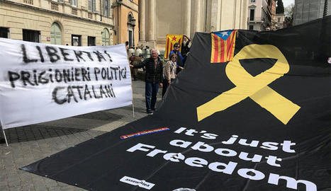 La pancarta desplegada a Roma.