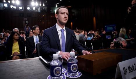 El fundador de Facebook, Mark Zuckerberg, ahir a Washington.