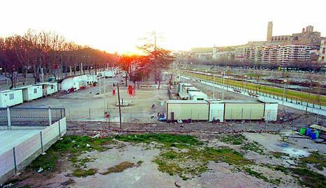 Desallotgen el campament gitano de l'avinguda Tarradellas