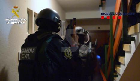 Ha Lleida es van realitzar almenys tres detencions i tres registres.