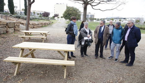 Ros va visitar ahir les obres d'accessibilitat i condicionament del parc Joan Oró.