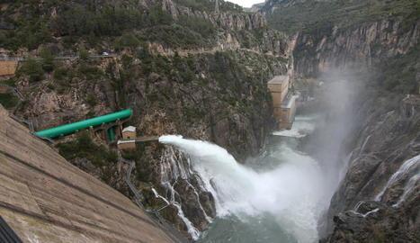 Imatge del pantà de Camarasa, que ahir continuava desembassant aigua i que es troba al 93% de la capacitat.