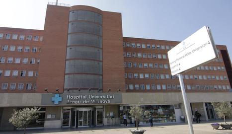 Imatge de la façana principal de l'Hospital Arnau de Vilanova.