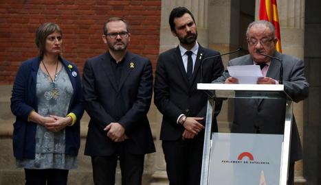 Homenatge a les víctimes republicanes del franquisme - El president del Parlament, Roger Torrent, va presidir ahir l'acte anual d'homenatge als republicans represaliats durant el franquisme, en què va denunciar que encara perviuen vestigis id ...