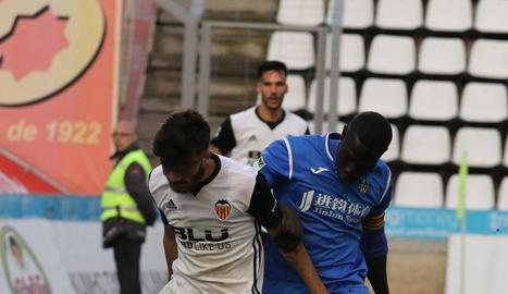 Moustapha no va tenir sort. Va entrar al 68 per Jorge Félix i al 86 va haver de ser substituït per lesió.