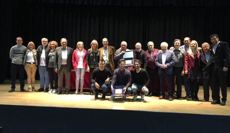 Representants dels equips premiats ahir durant la gala.