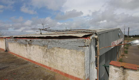 Les instal·lacions presenten un estat degradat en tres anys des del tancament.