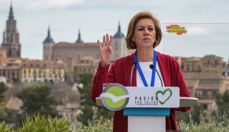 La secretària general del PP, María Dolores de Cospedal, ahir a Toledo.