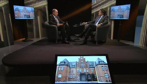 Un moment de l'entrevista, a càrrec del director de TV3, Vicent Sanchis.