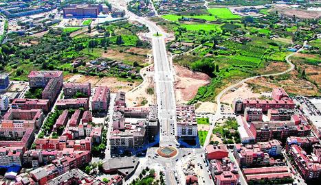 Vista aèria de l'avinguda de Pinyana, que enllaça Ciutat Jardí amb Balàfia.