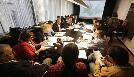 Tècnics i regidors, a la comissió d'ahir sobre el POUM.