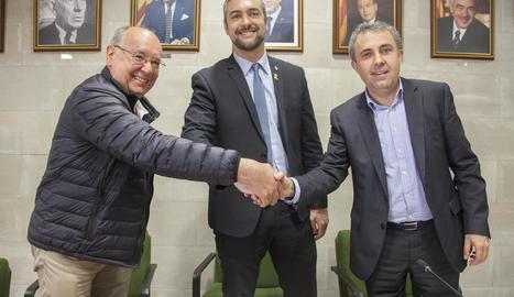 L'acte de la firma del conveni per a la potabilitzadora ahir a Agramunt.