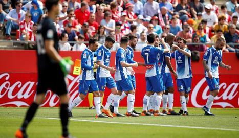 Gerard Moreno celebra un dels seus gols amb els companys.