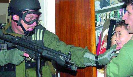 Elian fa visible el problema dels 'balseros' cubans