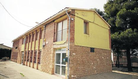 Imatge de l'escola de la Pobla de Cérvoles, que a l'actualitat compta amb cinc alumnes.