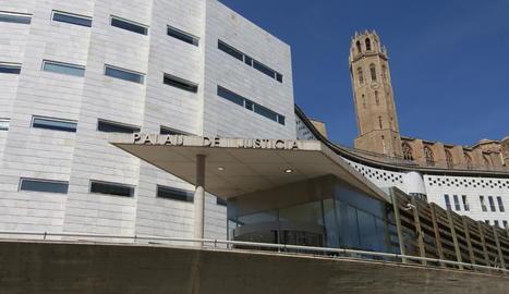 Vista de l'entrada a l'Audiència Provincial de Lleida.