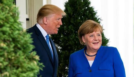 Trump rep la cancellera alemanya a la Casa Blanca.