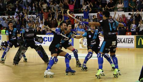 Darío dedica als seus pares el primer gol.
