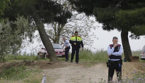 Agents d'investigació dels Mossos es van desplaçar al lloc de l'accident.
