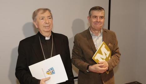El bisbe de Lleida, Salvador Giménez, i el director del Museu, Josep Giralt, ahir en bona sintonia.