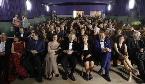 Calleja, acompanyat per les autoritats a la inauguració del cine Kursaal de Penelles.