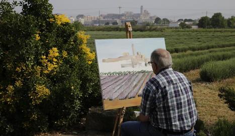 Concurs de pintures amb la Seu Vella com a motiu - Aromes Rosselló va organitzar ahir un concurs de pintura que forma part d'una sèrie d'actes per impulsar i donar a conèixer els camps de lavanda que hi ha als afores de la ciutat. El concurs ...