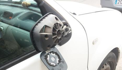 Un dels cotxes afectats
