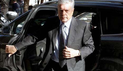 L'expresident de la CAM Modesto Crespo arriba a l'Audiència Provincial d'Alacant.
