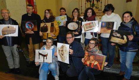 Directors i responsables de museus de la Xarxa, amb imatges d'algunes de les seues peces.