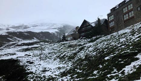 Neu aquest dimarts a la cota 1.700 de Baqueira