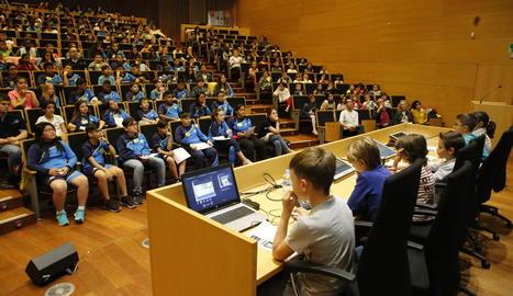 L'auditori de Cappont de la UdL durant una presentació d'uns alumnes de Primària.