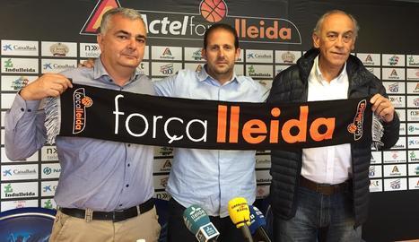 Albert Aliaga, Jorge Serna i Félix González, ahir durant la presentació del tècnic del Força Lleida per a la temporada vinent.