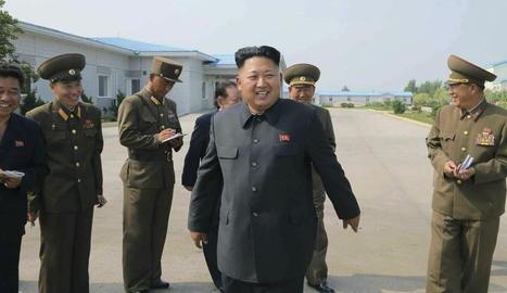 El líder nord-coreà, Kim Jong-un, en una imatge d'arxiu durant uns exercicis militars.