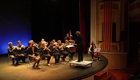 La Bellpuig Cobla, l'any passat en un acte d'homenatge a Josep Maria Bernat al Teatre Armengol.