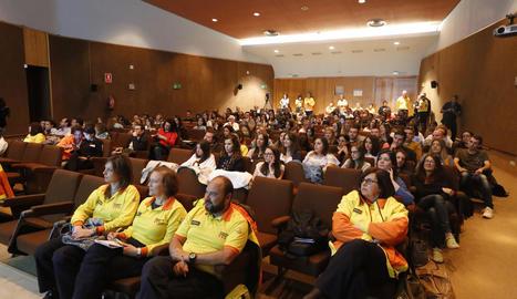 Unes 200 persones van participar ahir en la jornada a l'Arnau sobre residents del SEM a Lleida.