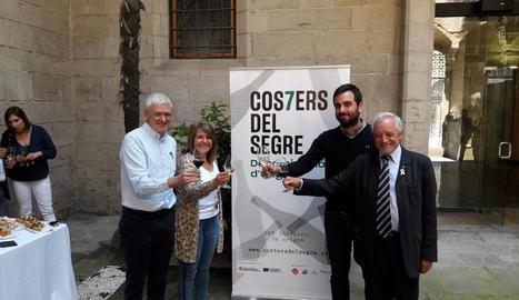 Xavier Farré (Costers), Rosa Pujol (Diputació), Pau Llop (dissenyador) i Salvador Puig (Incavi).