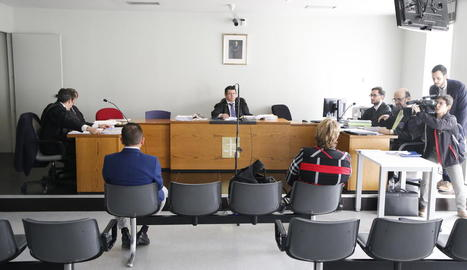 Un moment de la primera sessió del judici, ahir, al Penal 2.