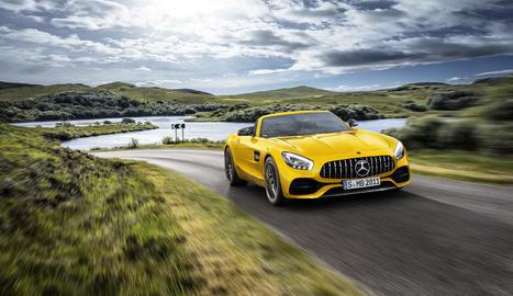 El seu motor 3.0 litres V8 biturbo li permet desenvolupar una potència de 522 CV, accelerar de 0 a 100 km/h en 3,8 segons i assolir una velocitat màxima de 308 km/h